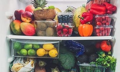Где покупать фрукты и сколько стоит быть сыроедом в Москве?